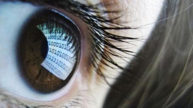 Akıllı Lens Geliyor!